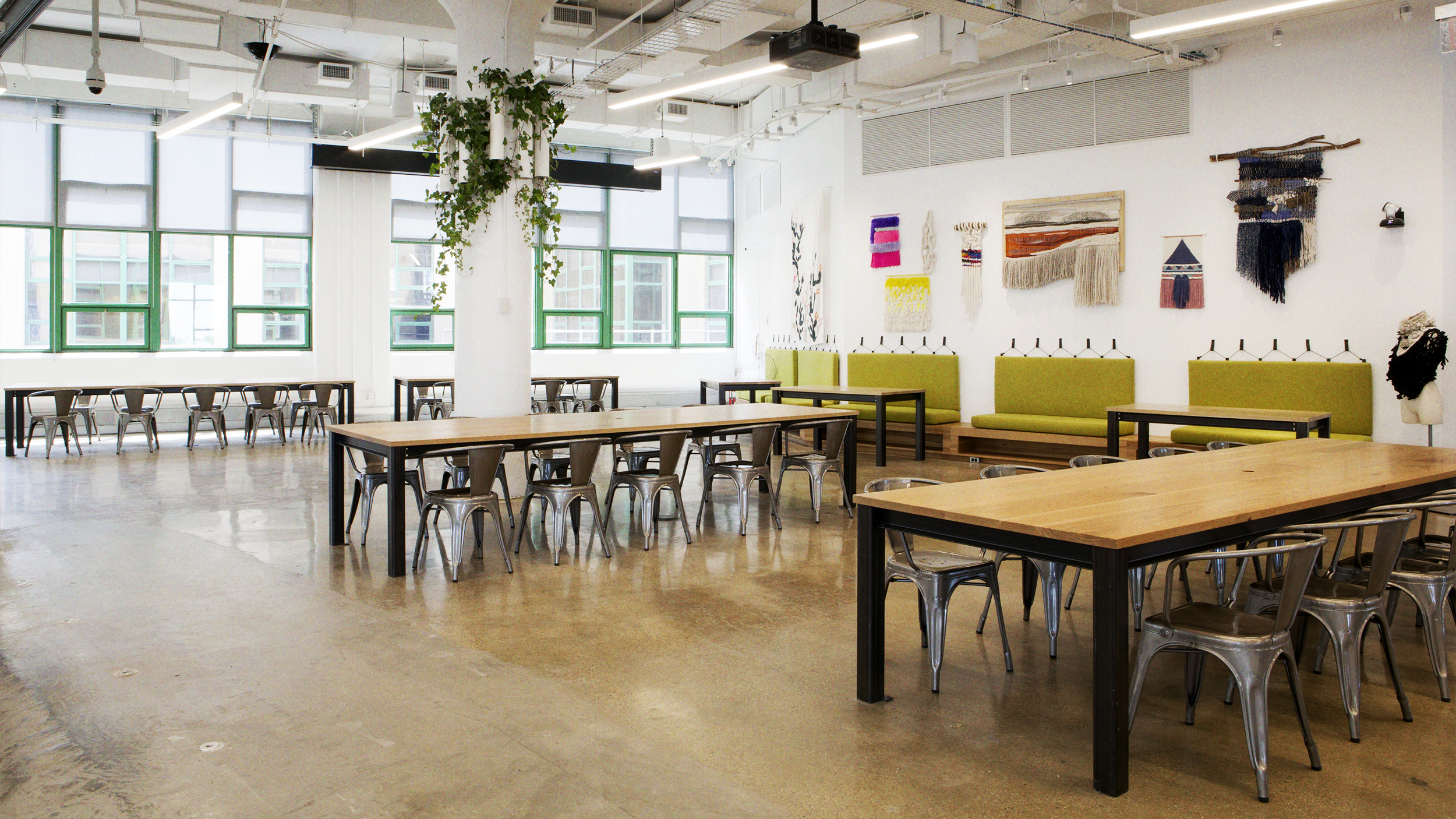 makerspace-worktables-at-new-etsy-hq