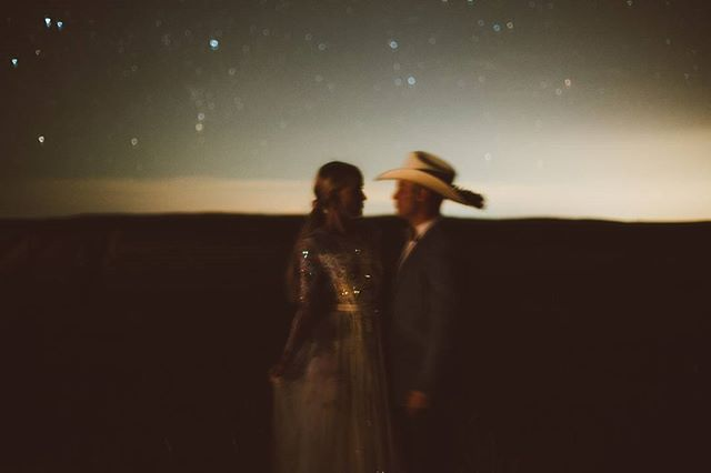 Anyone out there?! Burning the midnight candle with editing, and thinking about that starry night in Wyoming ✨  Planning: @firstlookco  Dress: @needleandthreadlondon