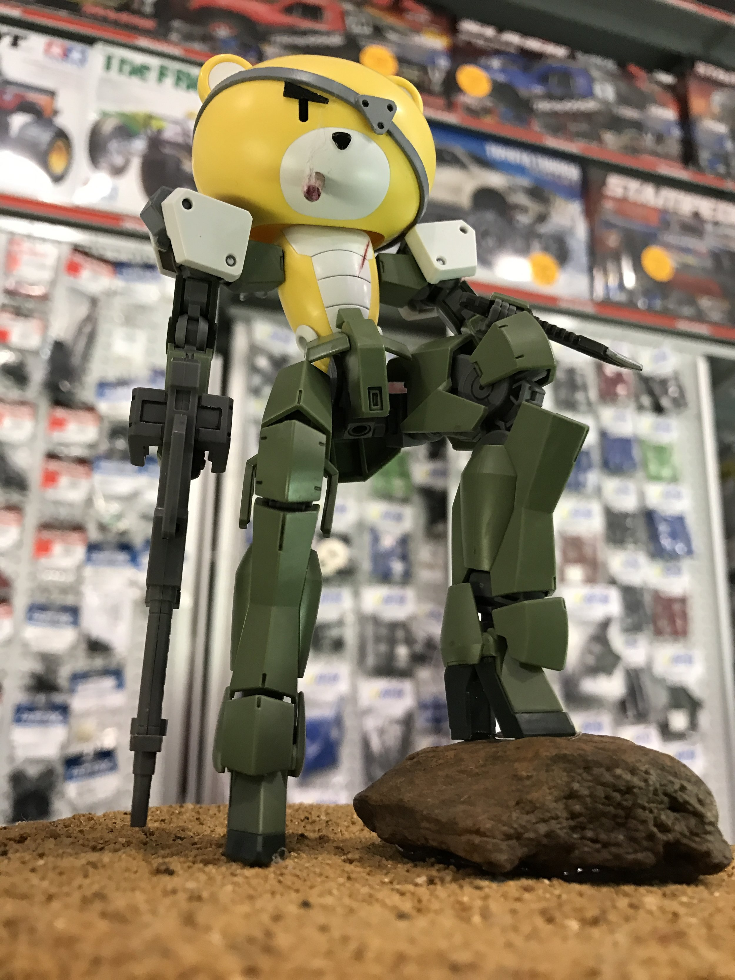 """""""PetitegGraze"""" Took third place. The kit(s) itself isn't painted (or if it if it is, only in small areas) or detailed very much but the eye patch, cigar and wound on the chest says everything you need to know. The concept and flawless posing leaps out at you and more than compensates for the lack of finer detail. This piece demonstrates that you don't always need to pour hundreds of hours into modeling to get something that is unique, interesting and an expression of an artistic vision; what really matters is clean execution of a clear vision."""