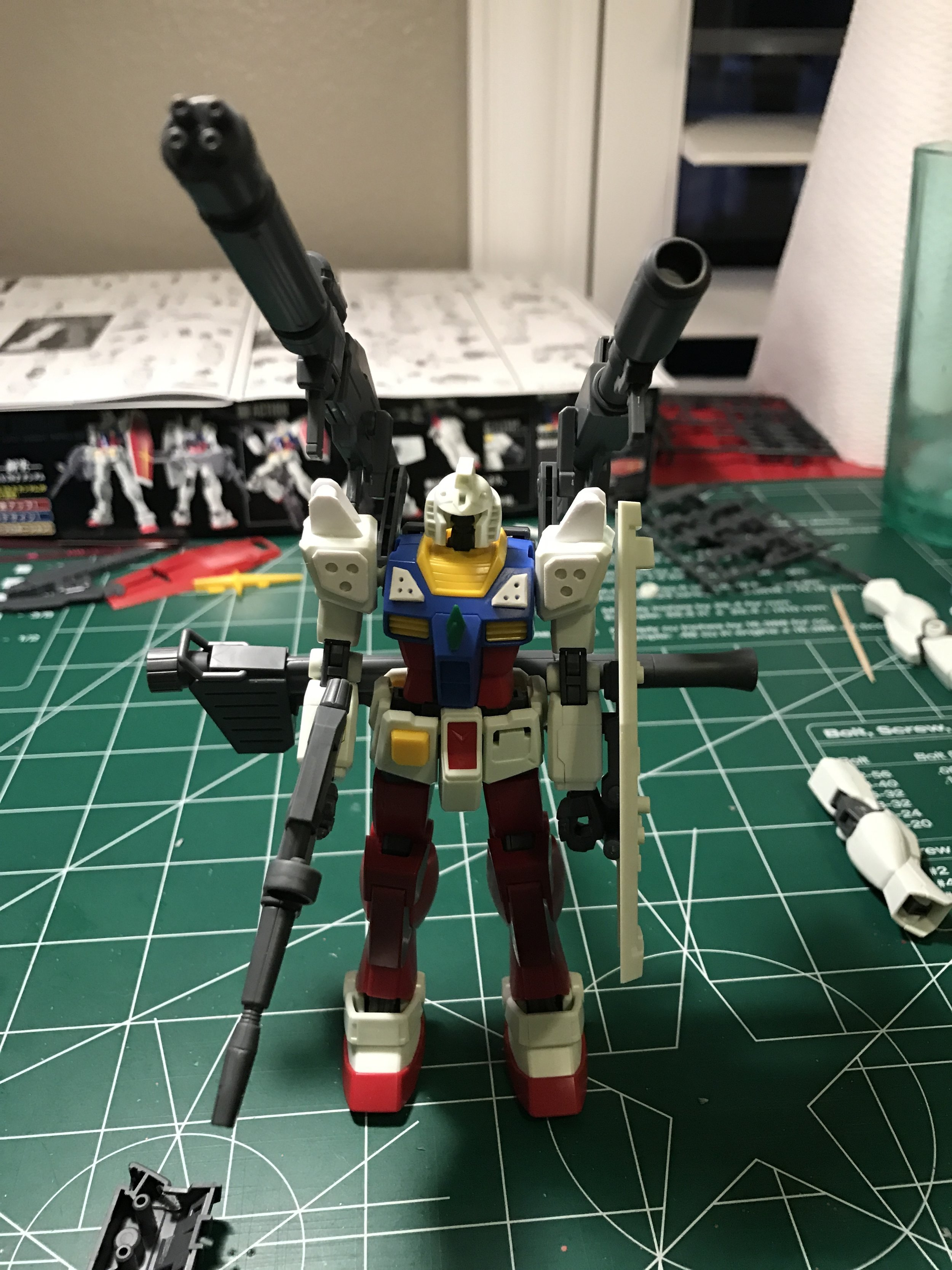 Assembled for the first time! I added a fin on the chest, and the backpack and legs from the HG Amazing Red Warrior.