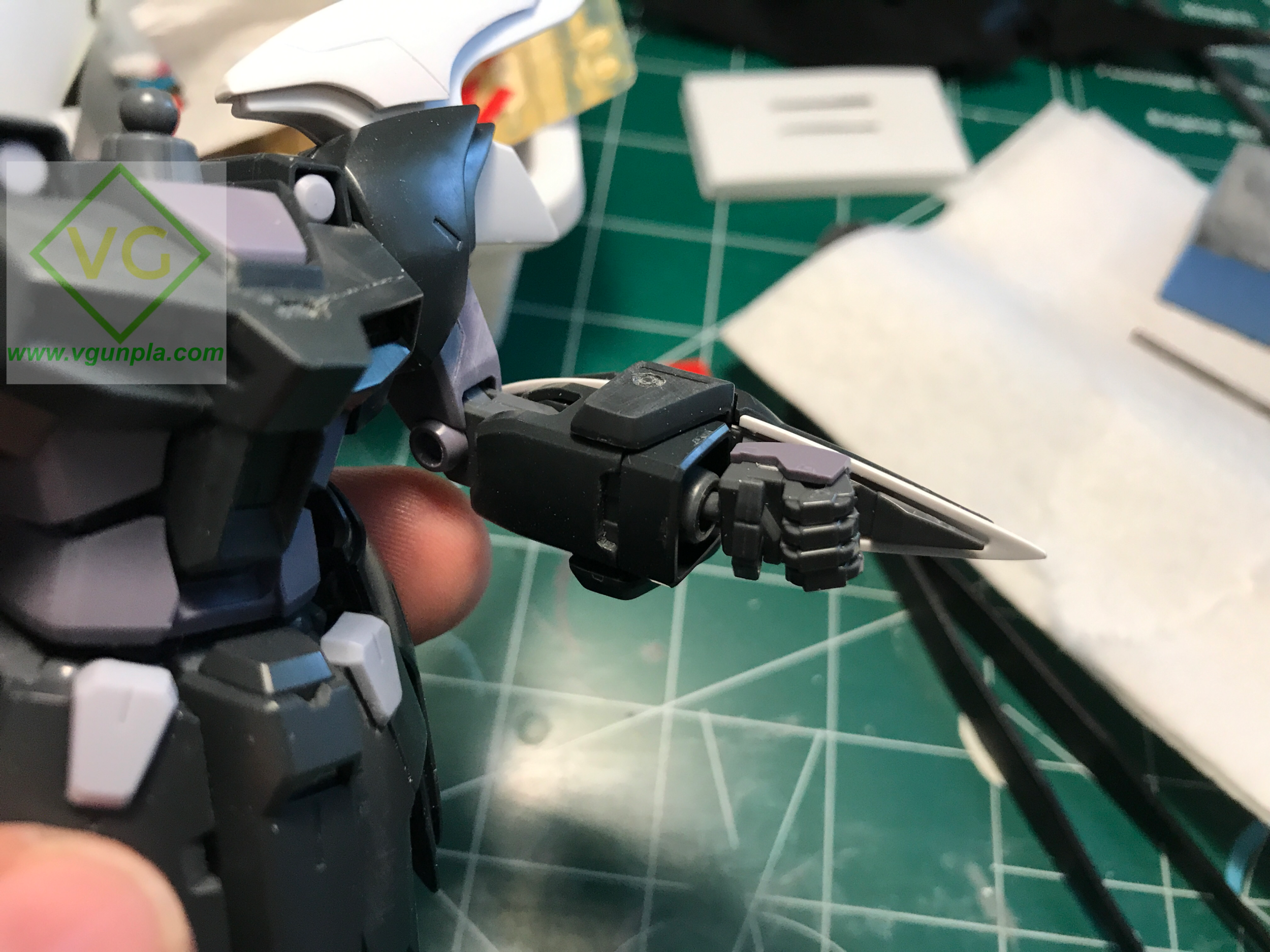 I cut a little notch on the inside of the arm to expose some of that sweet sweet inner frame!