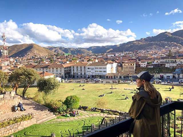 It's my last night in #cusco before we hike the Salcantay Trail. This is a stunning city bursting with life. I'm so pumped to see even more of #peru 🧗‍♀️🌞🏳️‍🌈