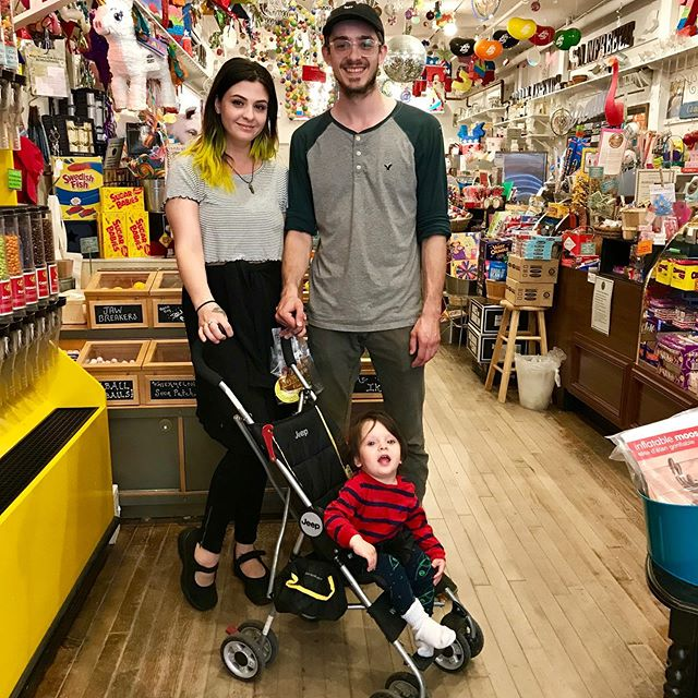 What fun to visit with  @robinscandy staff alum Jordan and his beautiful family! Do you know a student looking for the perfect summer job? Our Summer Team gets to sleep late, eat candy and be well paid kids-in-a-candy shop while gaining insights about running a successful small business! Email robin@robinscandy.com for details . . #hiring #berkshirejobs #intheberkshires #greatbarrington #shopsmall #shoplocal #hirelocal #massachusetts #newengland #boston #newjersey #longisland #connecticut #retail #branding #marketing