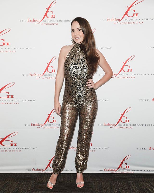 #wearcanadaproud Thanks @lesley_hampton @stylistbox for yet another epic outfit. The perfect see thru onesie to host the @fgitoronto 2018 Mentor's Dinner. Thank you. 📸 @georgepimentel1  #torontostylist #torontofashion #canadianfashion #fashiongroup #fashiongroupinternational . . . #onesie #jumpsuit #wearcanadian #canadiandesigner #torontostyle #torontoevents #torontoootd #torontofashionblogger