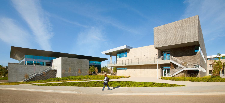 002 Santiago Community College.jpg