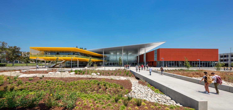 001 Los Angeles Valley College.jpg