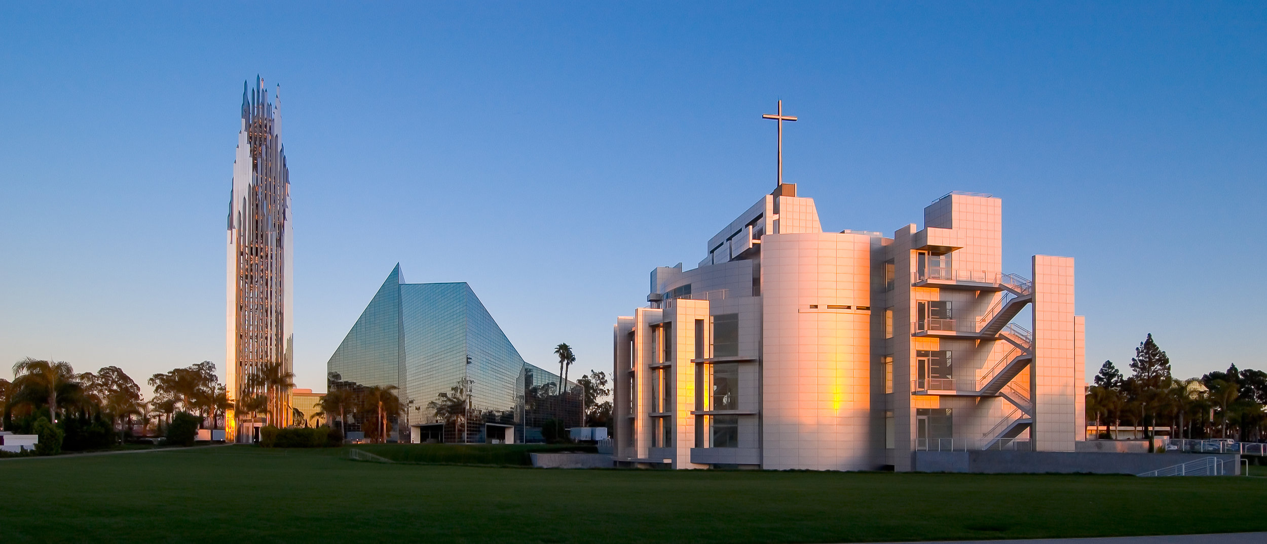 001 Christ Cathedral.jpg