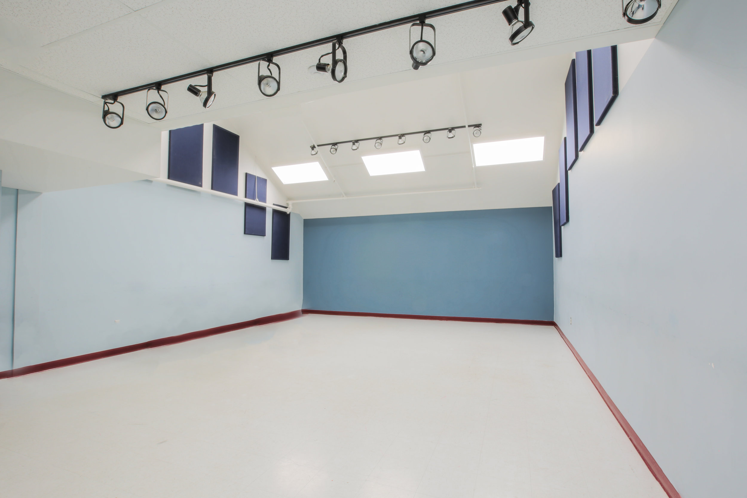 Community Savings Studio 20-30ppl
