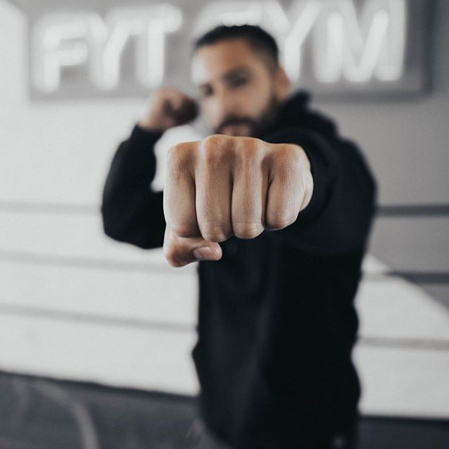FOCUS. An important word to help keep you on your fitness path. When it comes to your health, FOCUS on eating healthy and having a consistent workout regiment. FYT will help educate you on a fitness plan suited to your goals. All you have to do is come try out a free class! #focus • • • • • 📷: @xlancesanchez