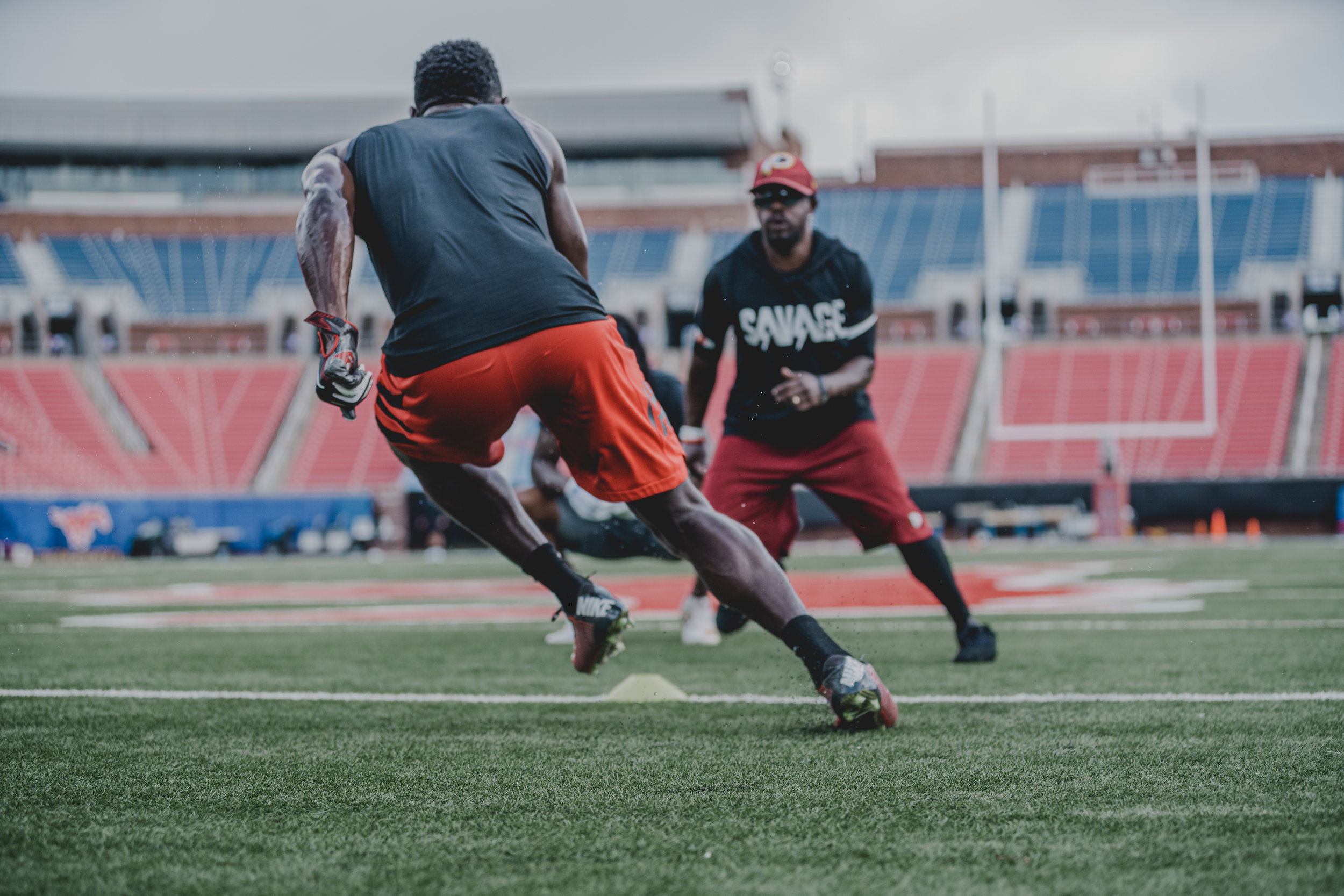 WE ARE INNOVATIVE AND COMPETITIVE. - D-ROB PROVIDES THE VERY BEST TRAINING TO PROFESSIONAL ATHLETES.SERVICES ➝TESTIMONIALS ➝PRIVATE TRAINING ➝