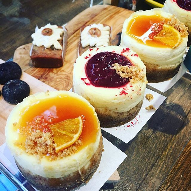 #yummy #delicious #NY #cheesecake w/ #raspberry & #bloodorange #coulis #nuvolalittlebakery #alittlebakery @tootingmarket they are #perfect for your #breakfast #brunch #teatime #dinner #dessert • • • #tooting #london #artisanbakery #freshlybaked #organic #pastry #sweettreats #bakinglove #feedfeed #Food52