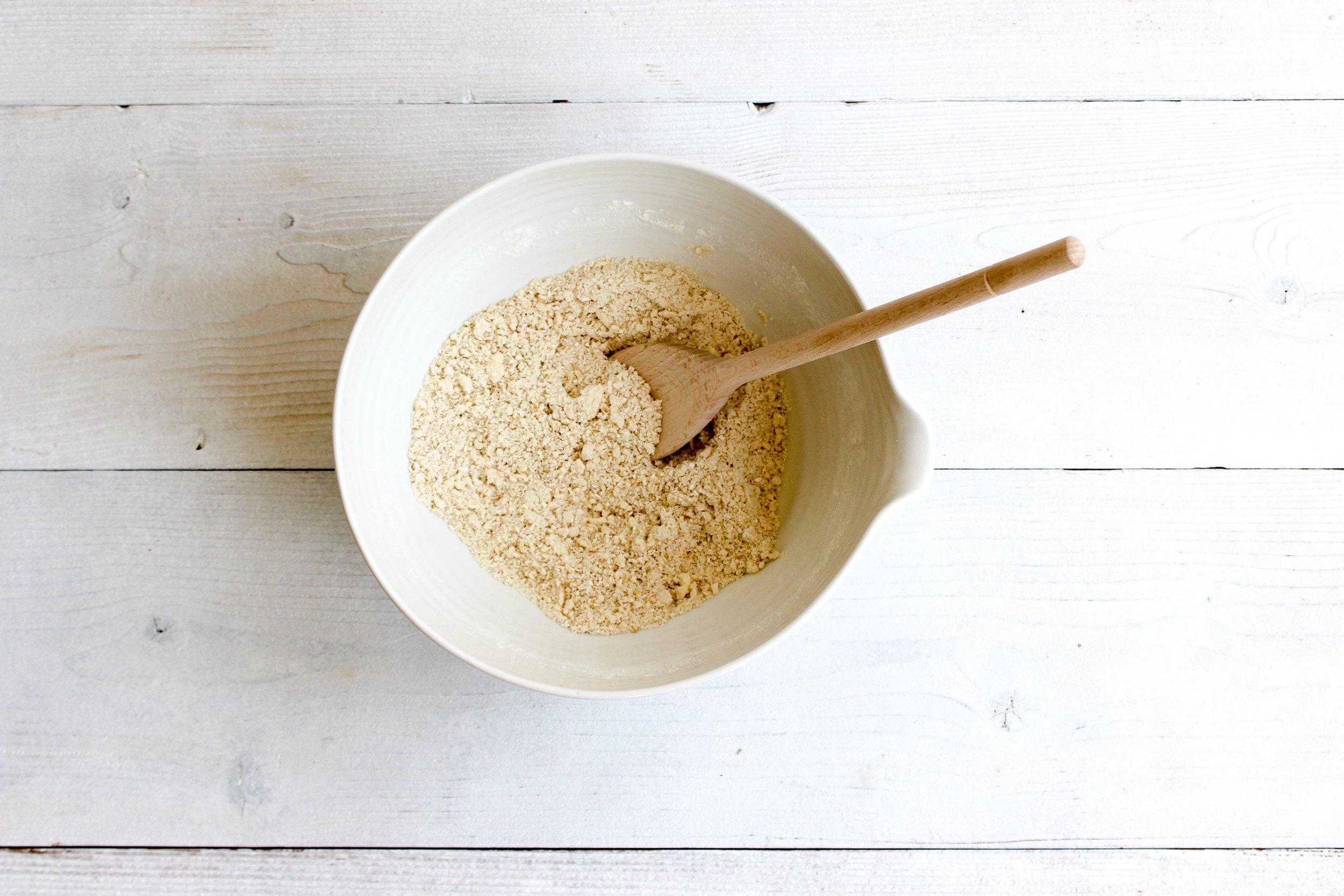 Stir through blitzed oats
