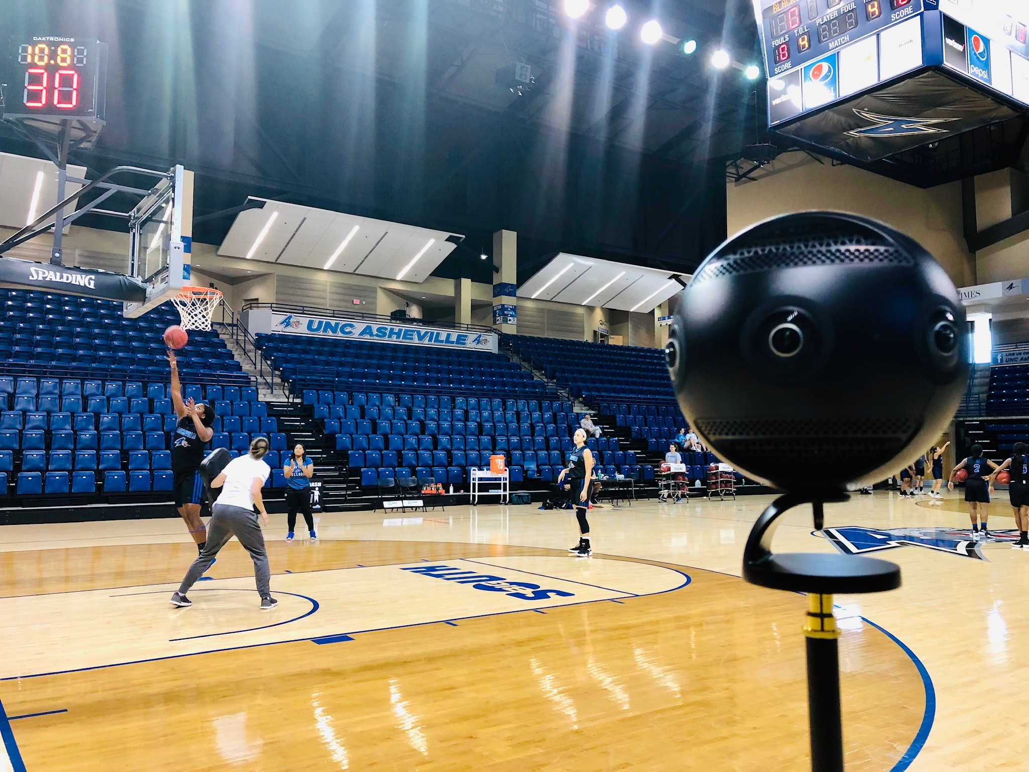 A 360-degree camera films basketball practice at UNC Asheville (Photo by Ryan Jones).