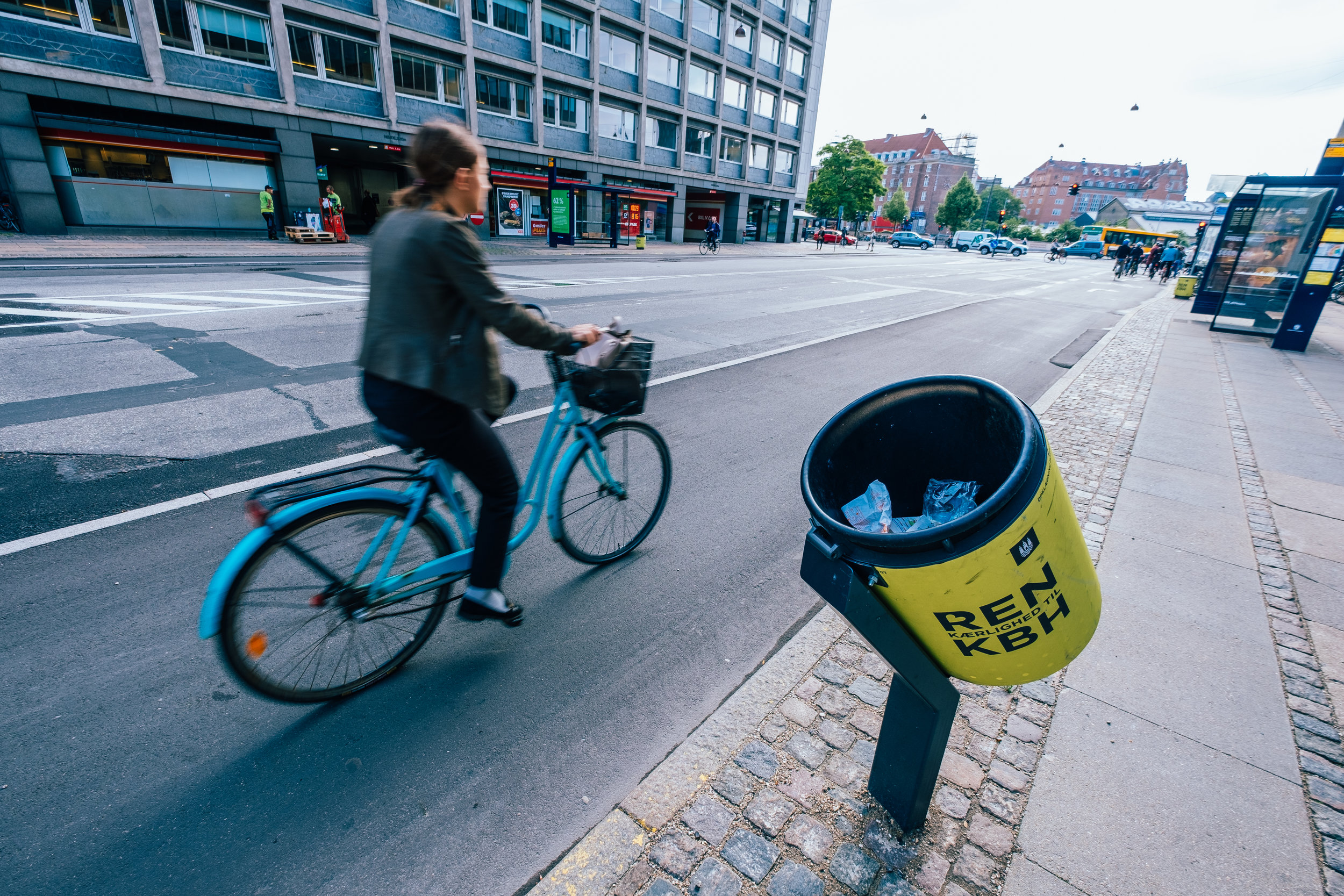 An angled trash can designed for cyclists on the go in Copenhagen, Denmark. (Steve Johnson/RWJF)