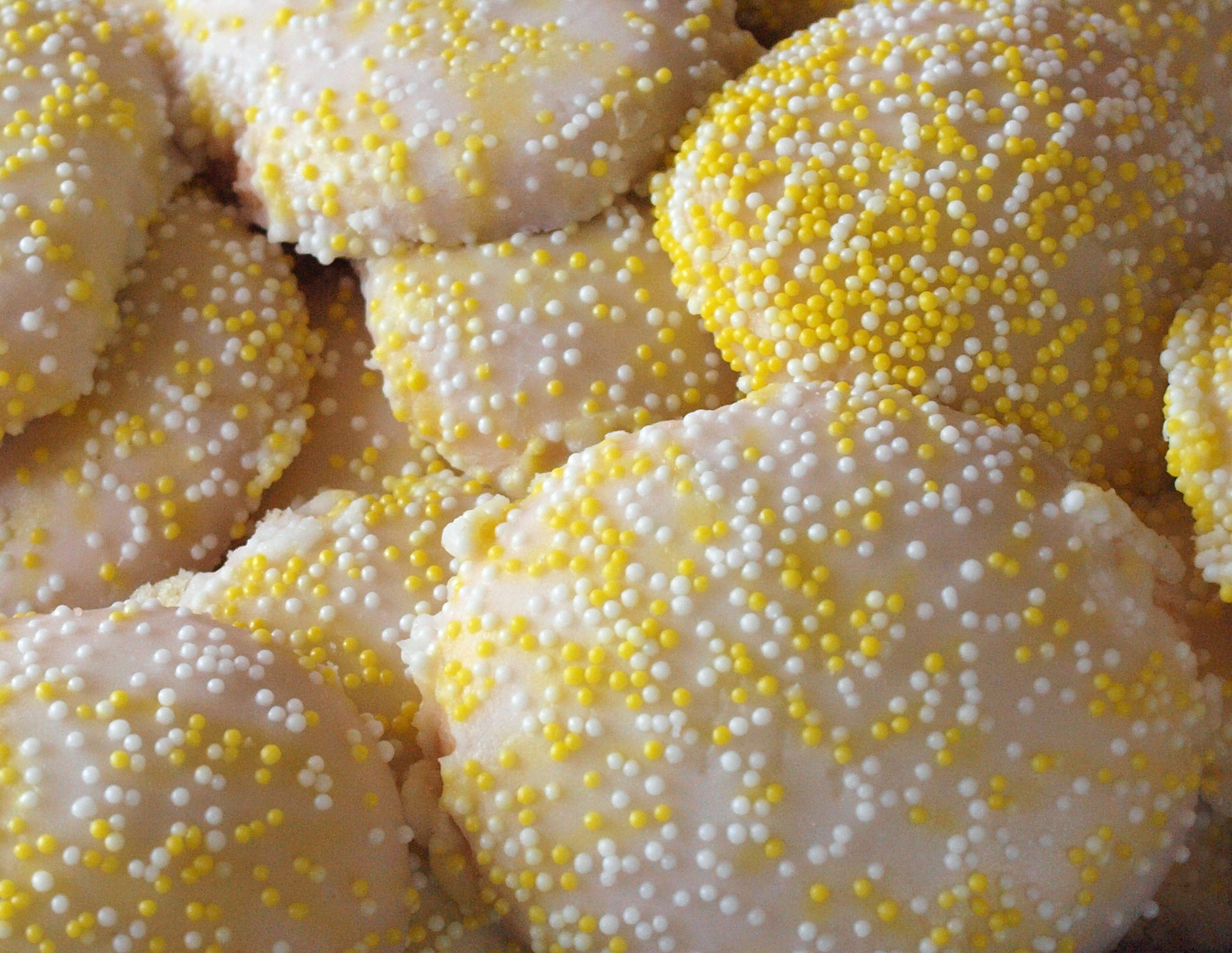 Toni's Own Lemon Burst Cookies