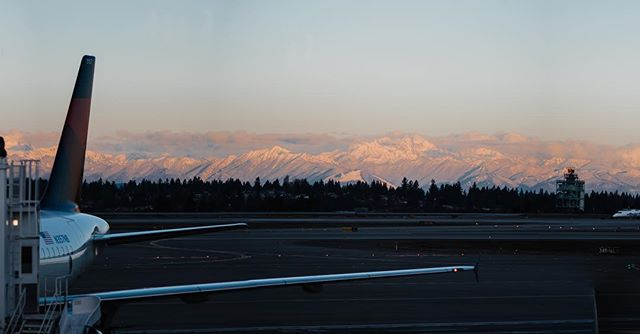 Morning come over the #olympicmountains in #washingtonstate from SeaTac airport. Left today for Chicago where's about 5 degrees currently. Reminds me, and makes me miss Spokane, where you took some pride in dealing with such harsh weather-fun yearly challenge.