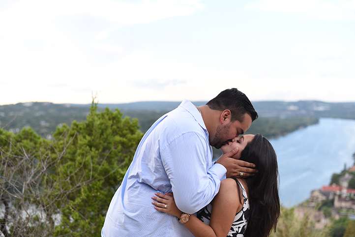 austin-wedding-proposal-covert-park-16.jpg