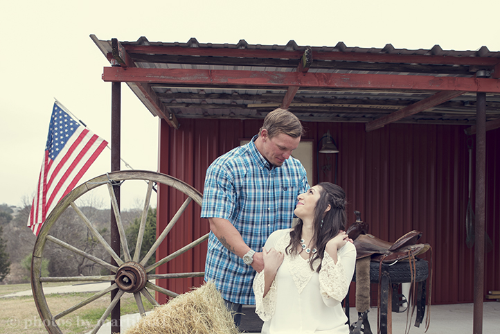 austin-engagement-photos-claudia-dustin-2.jpg