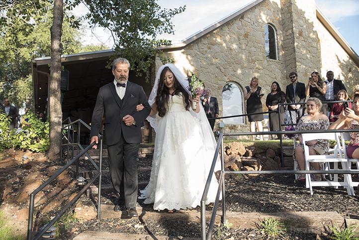 red-ridge-receptions-wedding-photos-by-martina-8.jpg