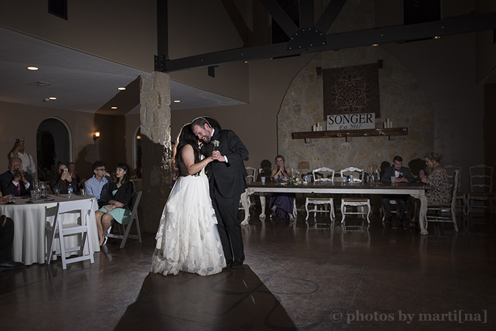 red-ridge-receptions-wedding-photos-by-martina-28.jpg