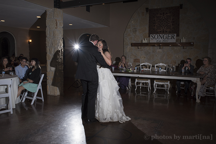 red-ridge-receptions-wedding-photos-by-martina-30.jpg
