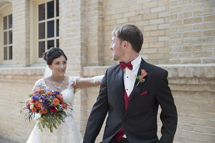 san-antonio-wedding-at-the-stables-photos-by-martina-3.jpg