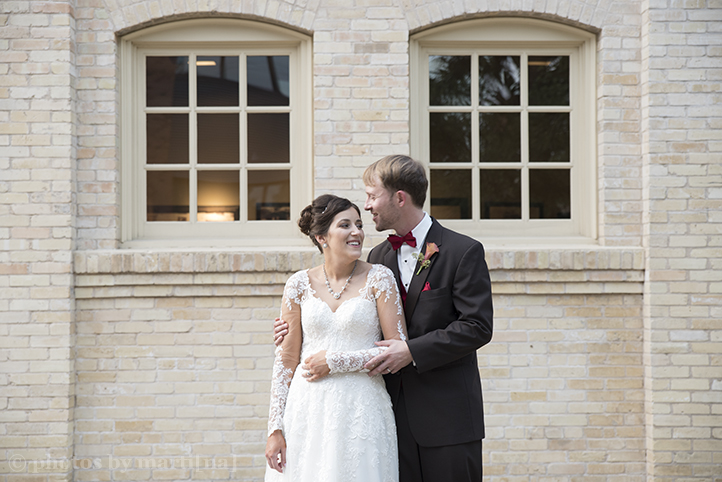 san-antonio-wedding-at-the-stables-photos-by-martina-20.jpg