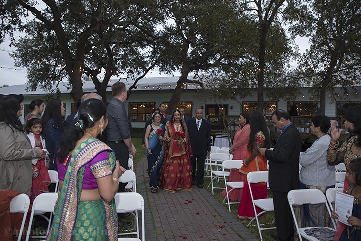 austin-wedding-photos-by-martina-creekside-20.jpg