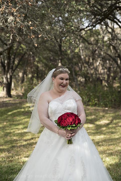 austin-wedding-photos-by-martina-chateau-on-the-creek-8.jpg