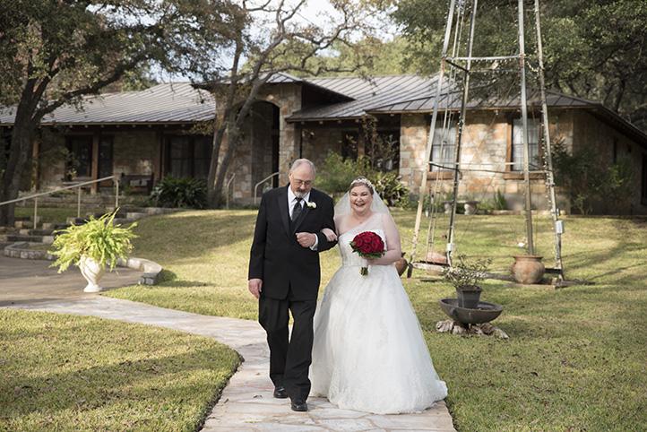 austin-wedding-photos-by-martina-chateau-on-the-creek-10.jpg