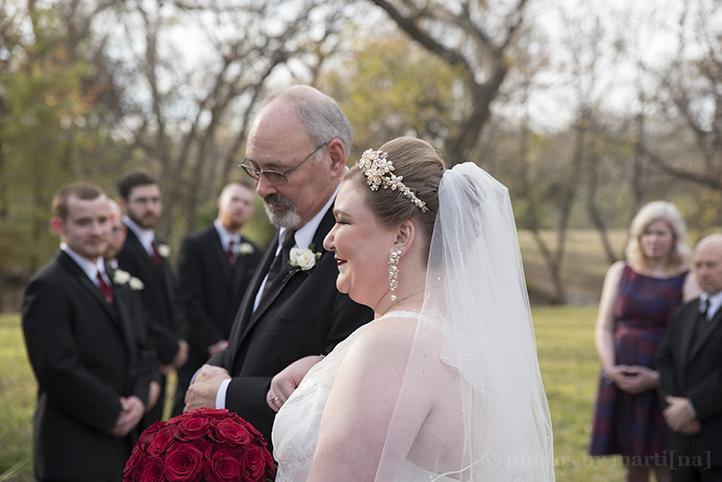 austin-wedding-photos-by-martina-chateau-on-the-creek-12.jpg