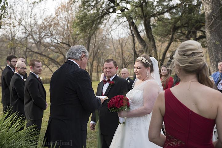 austin-wedding-photos-by-martina-chateau-on-the-creek-13.jpg