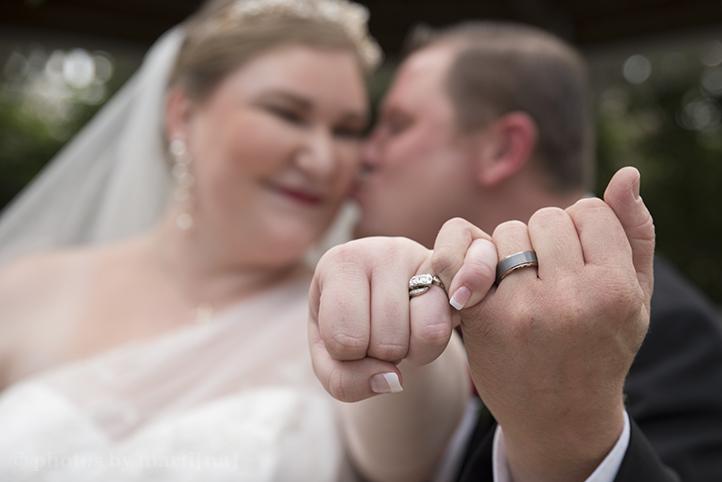 austin-wedding-photos-by-martina-chateau-on-the-creek-23.jpg