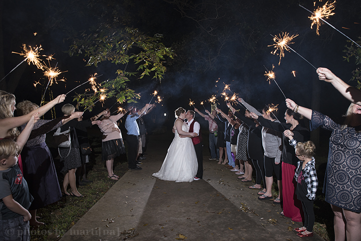 austin-wedding-photos-by-martina-chateau-on-the-creek-28.jpg