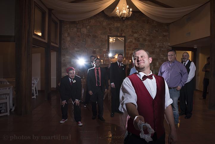 austin-wedding-photos-by-martina-chateau-on-the-creek-27.jpg