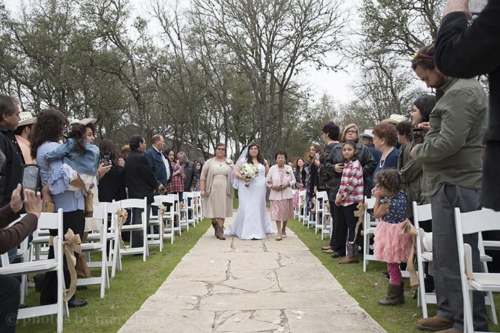 austin-wedding-photos-by-martina-texas-old-town-12.jpg