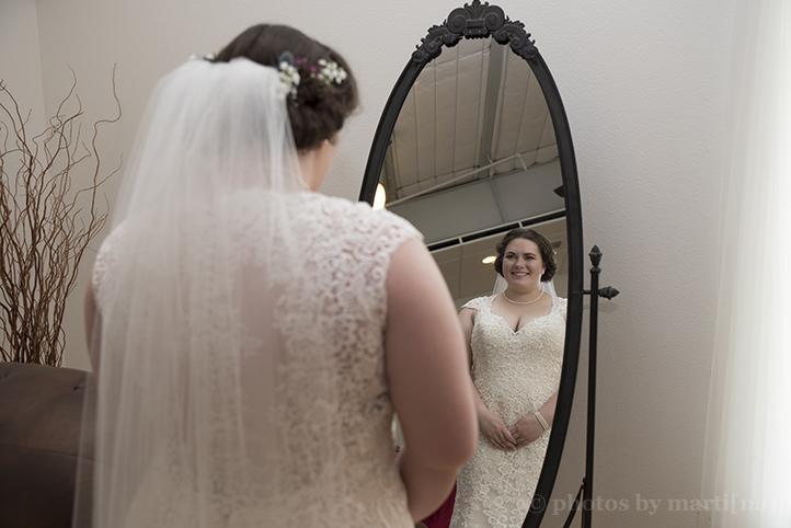 manor-wedding-photos-by-martina-terradora-4.jpg