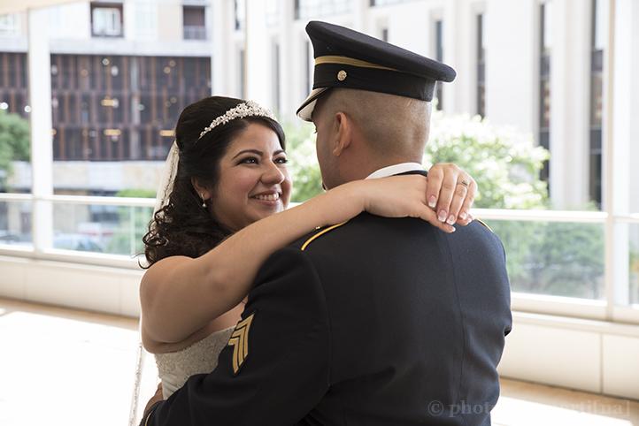 austin-wedding-photos-by-martina-hyatt-regency-15-1.jpg
