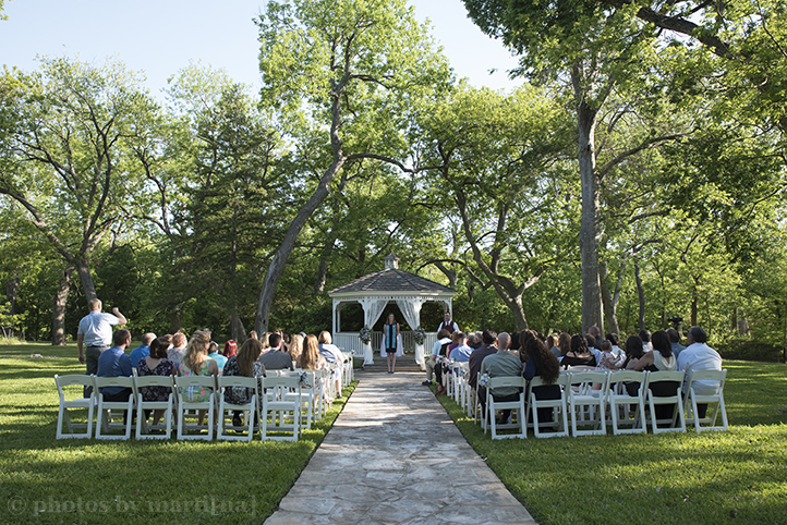 austin-awesome-wedding-photography-chateau-on-the-creek-8.jpg
