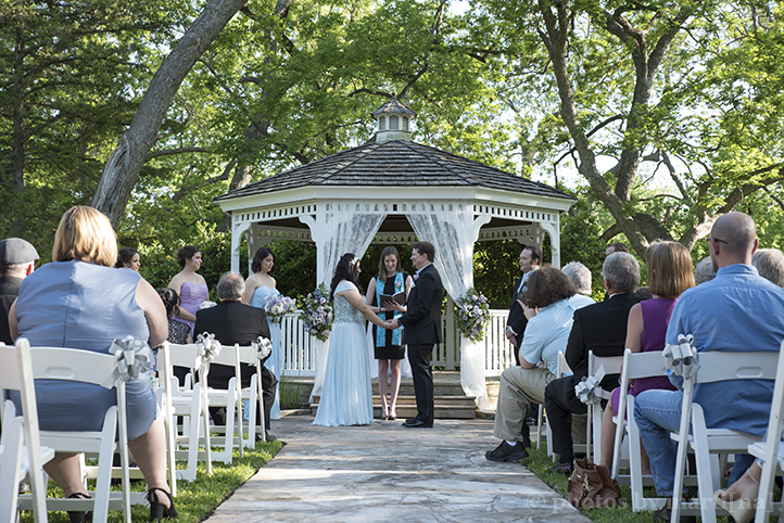 austin-awesome-wedding-photography-chateau-on-the-creek-13.jpg