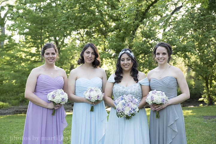 austin-awesome-wedding-photography-chateau-on-the-creek-26.jpg