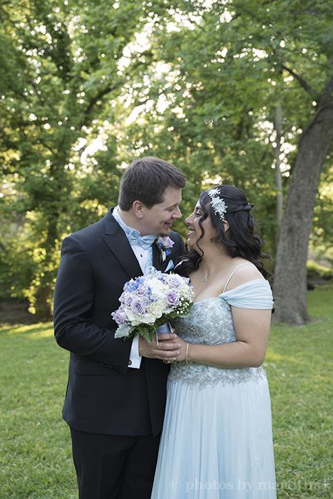 austin-awesome-wedding-photography-chateau-on-the-creek-27.jpg