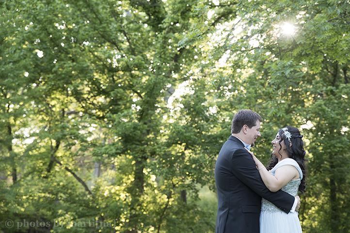 austin-awesome-wedding-photography-chateau-on-the-creek-28.jpg