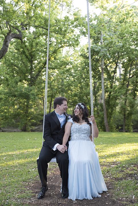 austin-awesome-wedding-photography-chateau-on-the-creek-29.jpg