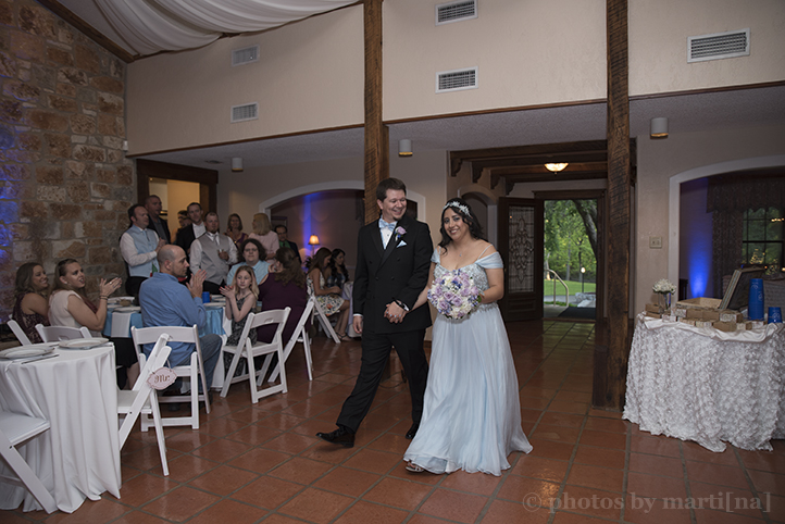 austin-awesome-wedding-photography-chateau-on-the-creek-31.jpg