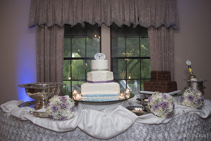austin-awesome-wedding-photography-chateau-on-the-creek-30.jpg
