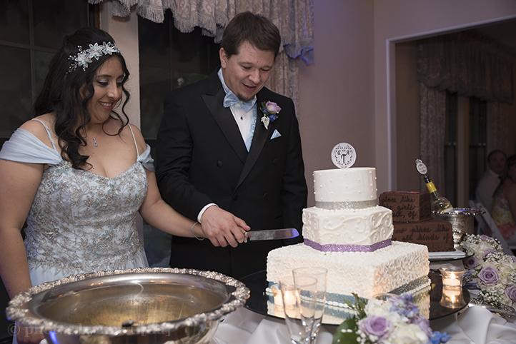 austin-awesome-wedding-photography-chateau-on-the-creek-33.jpg
