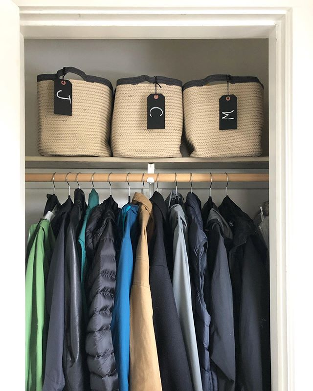 Entryway coat closets are often shared spaces for the entire family. Instead of sorting items by type, here we assigned a designated bin to each person so everyone is accountable for keeping track of their own items 🧢 🧤 🧥 🥾