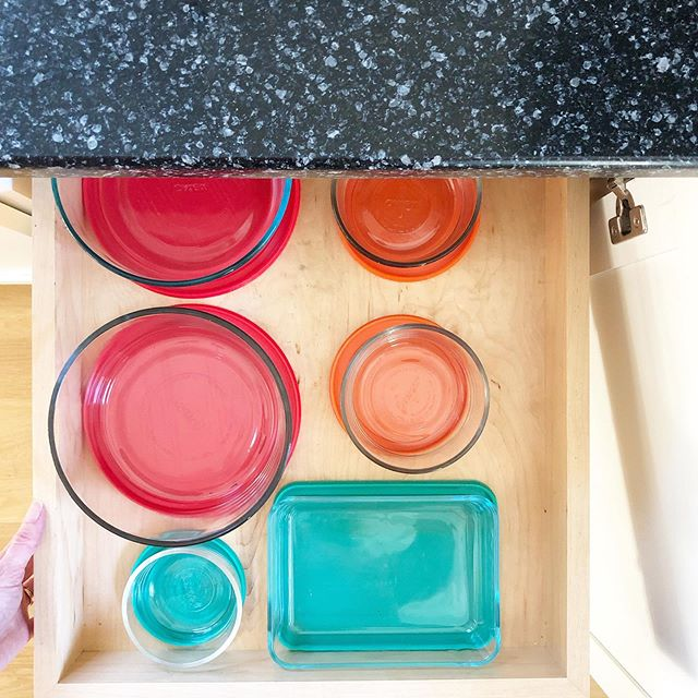 If you have the storage space, we like to store leftover containers with corresponding lids so you're never hunting for the proper top🔸🔹
