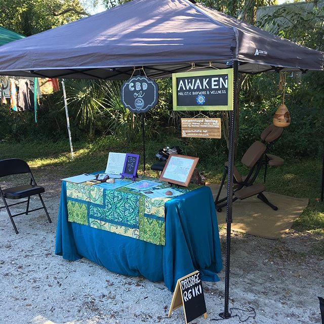 All ready for Sunday Market! It feels so good to be back at the farm enjoying the cool weather and great vibes. Stop by from 12pm-4pm to say hello! @sweetwater_organic_farm #market #sundaymarket #tampa #happy #vendor #organic #organicfood #yes #healthylifestyle #goodvibes #bestlife #goodmorning #massage #massagetherapy #reiki #energy #shopsmall